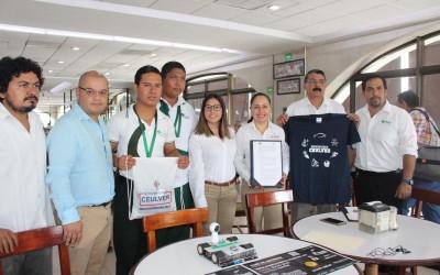 Ganador de concurso nacional de robotica obtiene beca académica